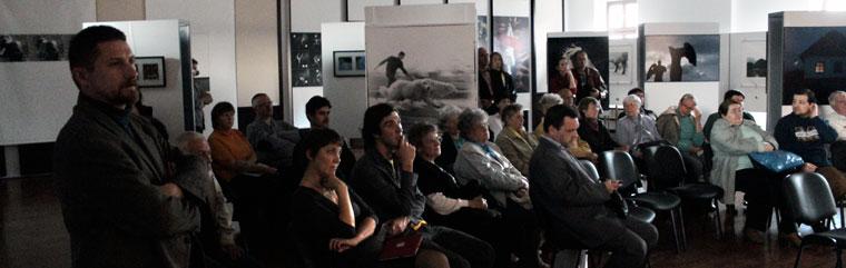 Eifert digiRáma-vetítésének közönsége (Bándi Dániel Dávid felvétele)