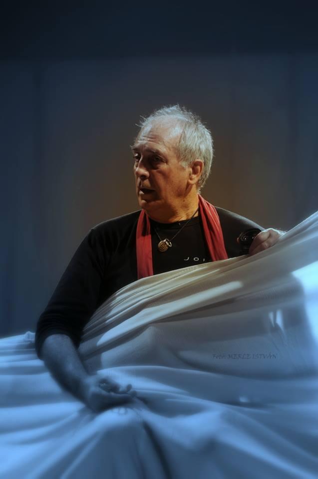Eifert János a táncosokat instruálja, MMS Stúdió, 2013.10.19. (Merle István felvétele)