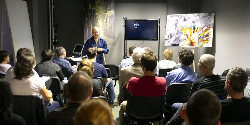 Eifert-előadás: Bevezetés a professzionális fotográfiába (Peti Péter felvétele)