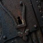 Kassa, kovácsolt vas zár a Szent Erzsébet-dóm kapuján (Photo: Eifert János)