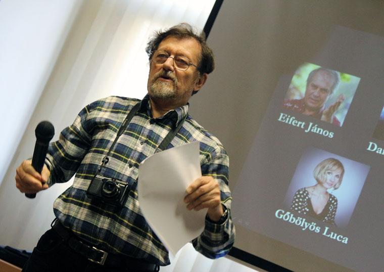 Dozvald János, mint kritikus a Think Tank Photo Magyarország fotópályázatának díjátadóján (Photo: Eifert János)