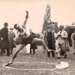 Schäffer: Darányi sulydobás világrekordot javit (1931)