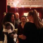 Melis Márta brácsaművész és garami Gréta kurátor gratulálnak Olajos Hangának, hegedűszólójáért (Eifert János felvétele)