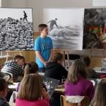Fotóoktatás a Hódmezővásárhelyi Ének-zenei Iskola tanulóinak, 2014.04.29. (Eifert János felvétele)
