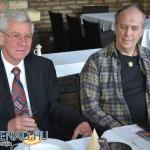 Almási István polgármester és Eifert János a Bagolyvár étteremben (Promenad.hu felvétele)