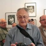 Sehr Miklós, Papp Elek és mások MA®KOVI©S FE®EN©: AKASZTÁSRA ÍTÉLVE! c. kiállításának a megnyitóján, az Artphoto Galériában, Budapest, 2014. május 19. (Eifert János felvétele)