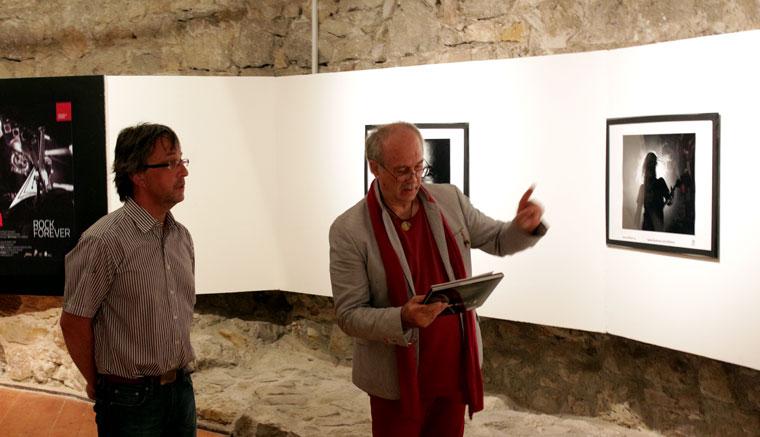 Eifert megnyitja a kiállítást (Nagy Attiláné felvétele)