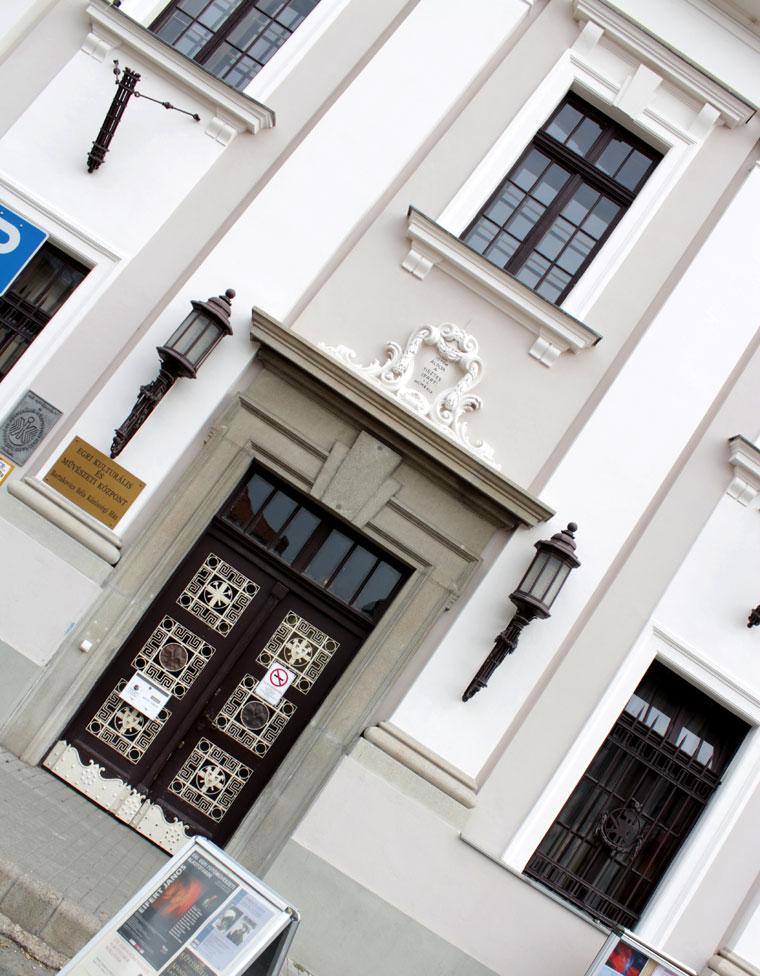Eger, Bartalovics Béla Közösségi Ház (Eifert János felvétele)