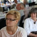 Bodrogi Klára újságíró a Vásárhelyről elszármazottak találkozóján, Mártély, 2014.08.17. (Eifert János felvétele)