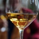 Tokaji bor a kóstolók sorában - Alessio kávéház és étterem, 2014.10.21. (Photo: Eifert János)