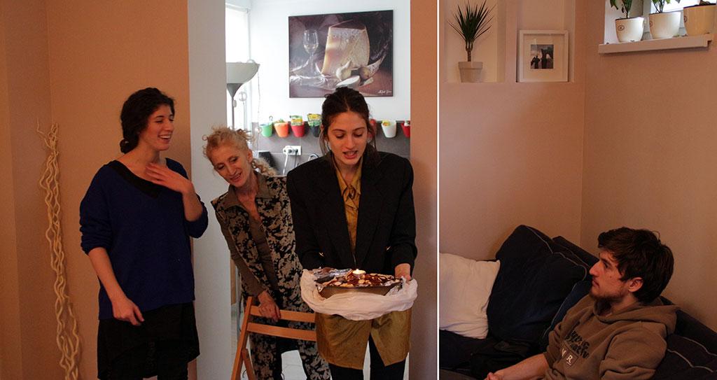 2014.12.25.-Kata, Kati és Lili Andris születésnapi tortáját hozzák (Photo: Eifert János)