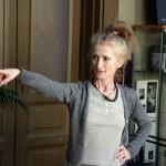 2015.03.07.-Lőrinc Kati instruálja táncosait (Eifert János felvétele)