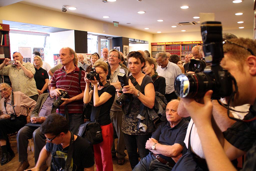 2015.05.13.-Mandur László kiállításának megnyitóján (Eifert János felvétele)