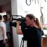 2015.06.06.-TV-forgatás-Öv-utcában-Czétényi-Csilla-operatőr  (Eifert János felvétele)