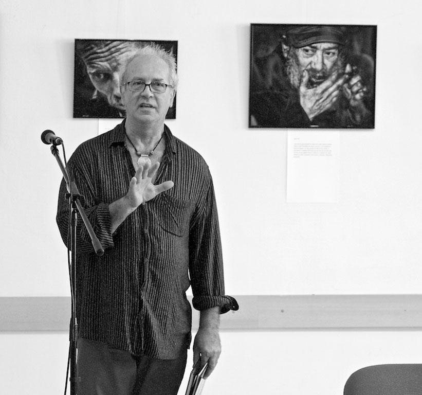Eifert János megnyitja Pivonka Kriszta kiállítását - TETŐ Galéria, 2015.06.12. (Sztankovics Gábor felvétele)