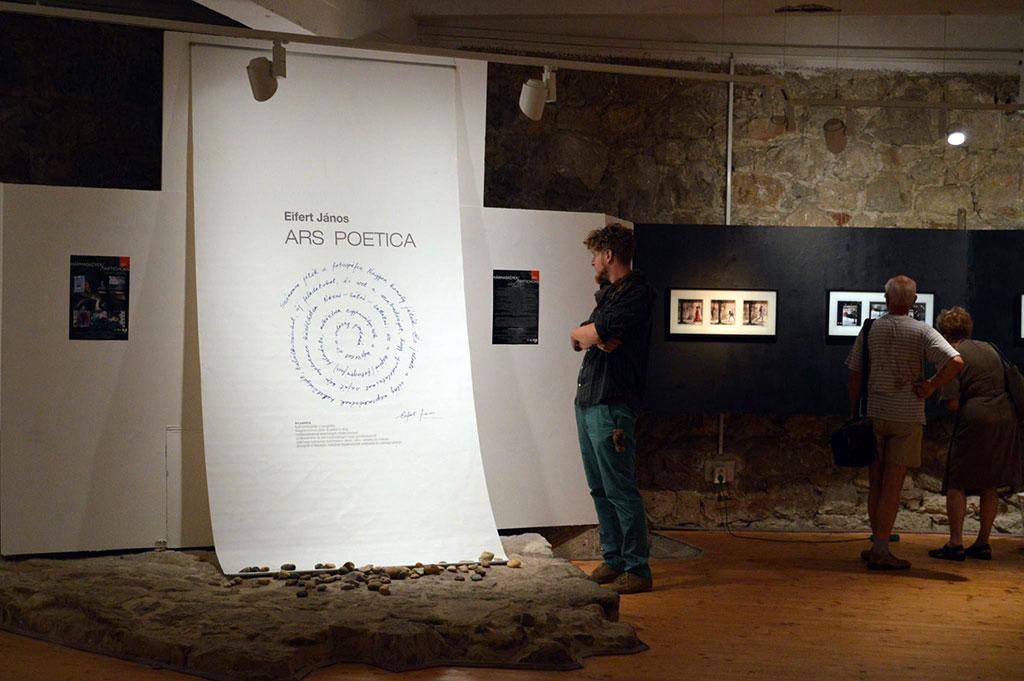 2015.07.24.-Esztergom-Rondella-Galéria-Eifert-megnyitó-05_Mécses-Éva-Hilda-felvétele