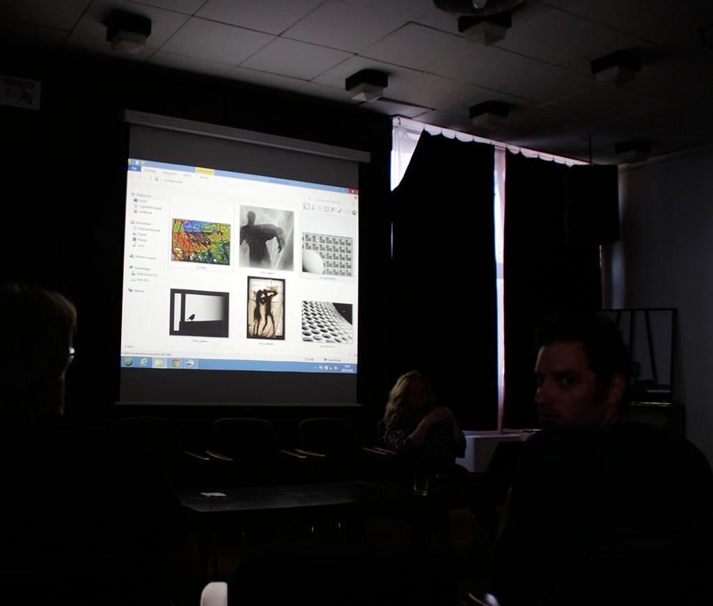 A XXXI. Vizuális Művészeti Hónap fotópályázatára érkezett képek zsűrizése, BMK, 2015.10.03. (Eifert János felvétele)