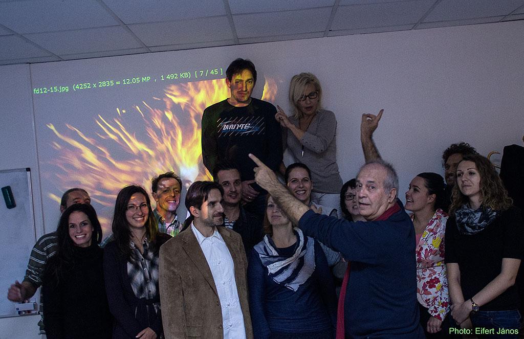 2015.11.12.-FotóOktatás.hu-Táncfényképezés-elméleti-csoportkép-hallgatóimmal (Eifert János felvétele)