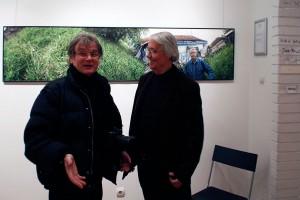 2015.11.30. Artphoto Galéria, Haris László barátjával (Eifert János felvétele)