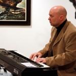2015.12.12.-Fodor-emlékkiállítás-Nagy-János-dzsesszongorista (Eifert János felvétele)