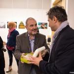 Gáti György és Hupján Attila a MAOE Fotóművészeti Tagozatának évadzáró találkozóján, MÚOSZ székház, 2015.12.14. (Eifert János felvétele)