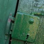2015.10.01.-Hmvhely-Kilincs-a-Búvár-utcában  (Eifert János felvétele)