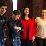 2016.02.06.-Bánk-Karacs-Feri-Julika-és-a-gyerekek-illetve-az egyik-barátnője (Eifert János felvétele)