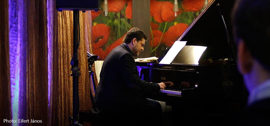 2016.02.06.-Bánk-ifj-Szakcsi-Lakatos-Béla-Gershwint-játszik (Eifert János felvétele)
