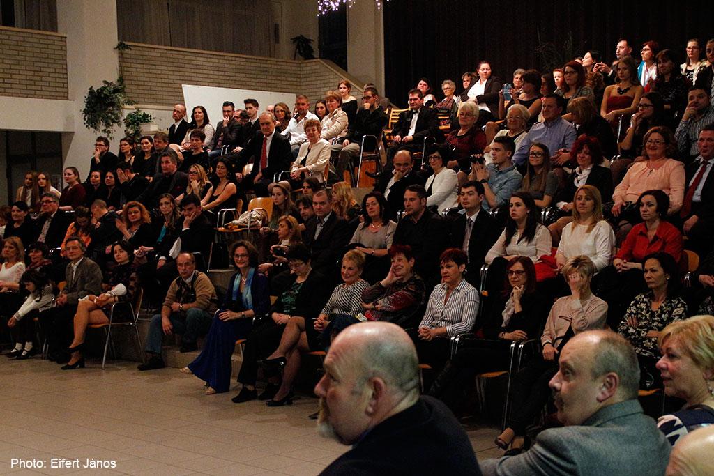 2016.02.12.-Győr-Szalagavató-tanárok-szülők-vendégek (Eifert János felvétele)