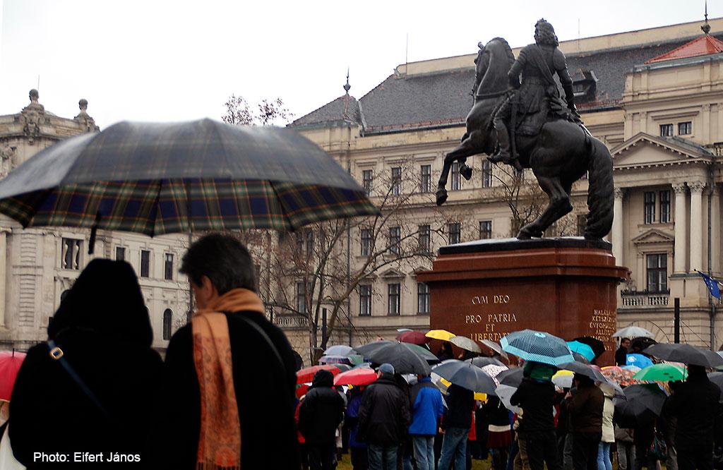 2016.02.13.-Kossuth-téri-tüntetők-07 (Eifert János felvétele)