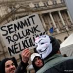 2016.02.13.-Kossuth-téri-tüntetők-Semmit-rólunk-nélkülünk (Eifert János felvétele)