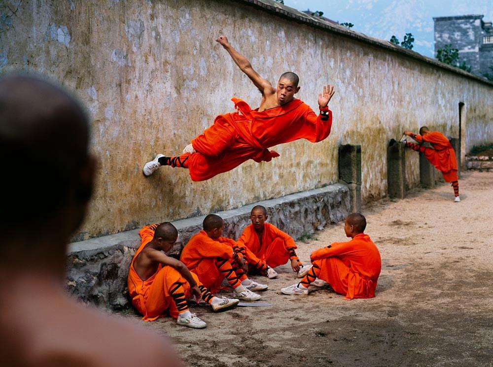 Steve McCurry_Shaolin-Monastery-in-Henan-China-01