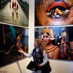 2016.03.14.-Lőrinc-Kati-tárlatvezetése-Steve-McCurry-kiállításán (Eifert János felvétele)