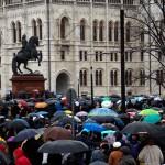 2016.03.15.-Tüntetés-a-Kossuth-téren-02 (Eifert János felvétele)