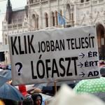 2016.03.15.-Tüntetés-a-Kossuth-téren-04 (Eifert János felvétele)
