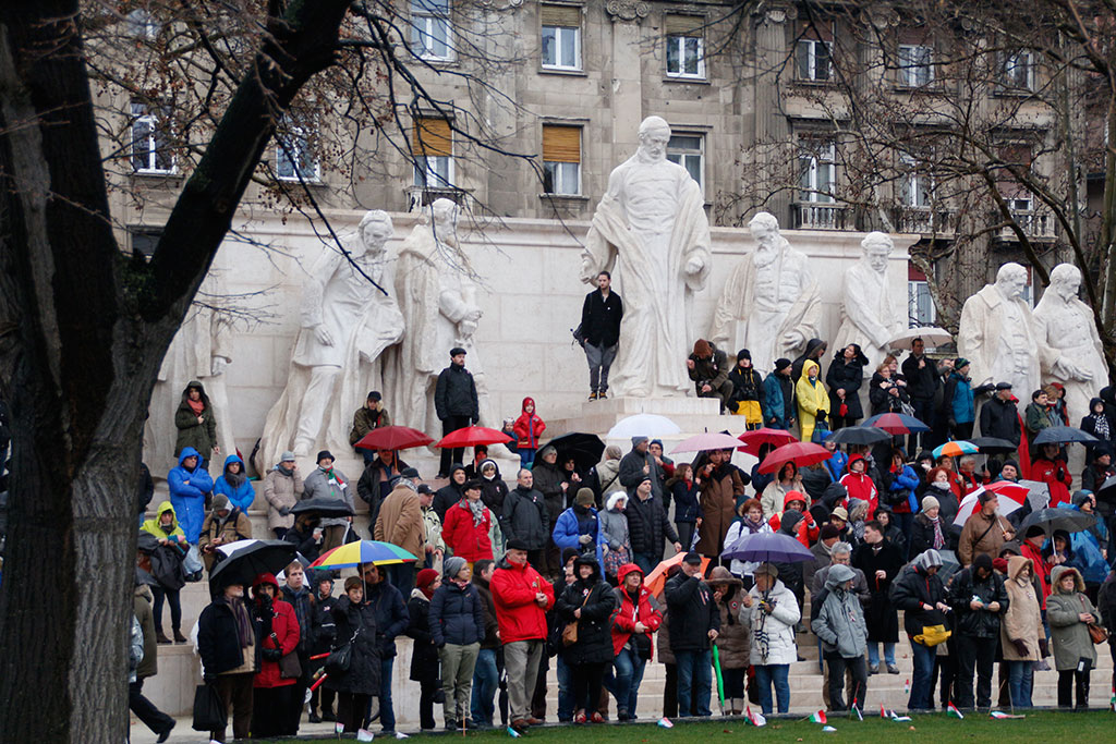 2016.03.15.-Tüntetés-a-Kossuth-téren-10 (Eifert János felvétele)