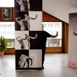 2016.06.17. Győri Nemzeti Színház, Eifert János GEOMETRIA c. kiállításának részlete a művésszel (Olasz Ági felvétele)