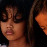 2016.07.04.-Bali-Két-kislány-a-tengerprton (Photo: Eifert János)