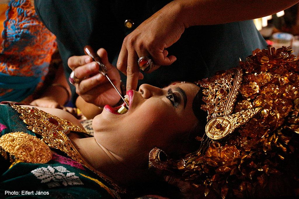 2016.07.15.-Bali-Fogcsiszoló-ceremónia-06 (Photo: Eifert János)