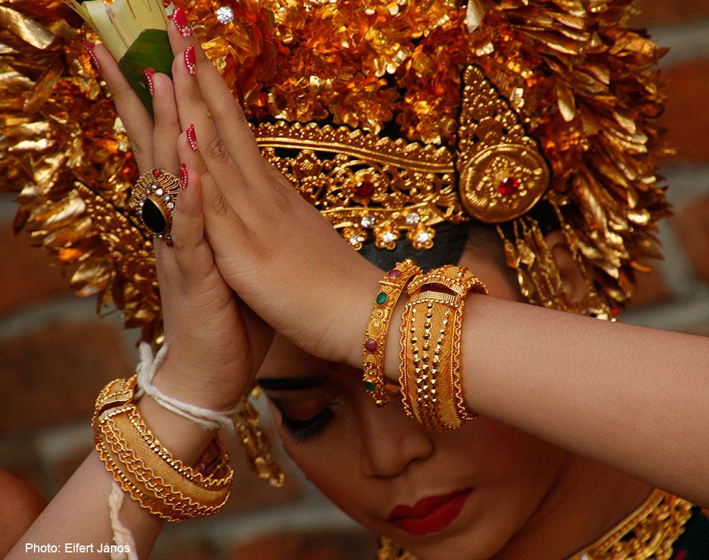 2016.07.15.-Bali-Fogcsiszoló-ceremónia-11 (Photo: Eifert János)