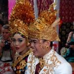 2016.07.15.-Balinéz-esküvő-A-Pár-meghívott-fehérekkel (Photo: Eifert János)