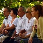 2016.08.07.-Börzönce-Misét-hallgatják-a-Kápolnánál-01 (Eifert János felvétele)
