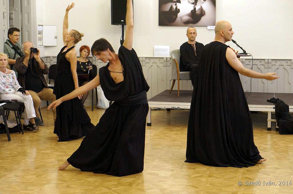 2016.09.06.-ERŐMŰVHÁZ-Kiállításmegnyitó-tánccal (Szedő Iván felvétele)