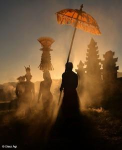 Olasz-Ági_Hajnali-szertartás-(Bali, 2016)