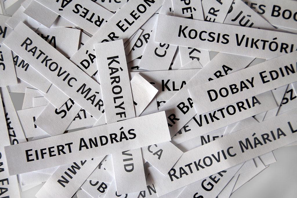 2016.04.22.-Győr-Napóleon-Ház-KIPAKOLÁS-kiállítók-nevei (Eifert János felvétele)