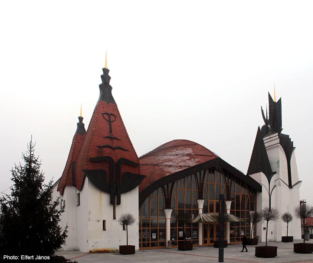 2016.12.18.-Lendva-A-Makovecz-Imre-féle-Színház--és-Hangversenyterem (Eifert János felvétele)
