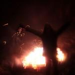 2016.12.24.-Börzönce-Olasz-Ági-a-tűz-előtt (Eifert János felvétele)