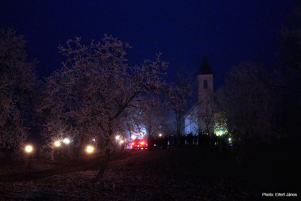 2016.12.24.-Börzönce-Szent-Lőrinc-kápolna-karácsony-este (Eifert János felvétele)