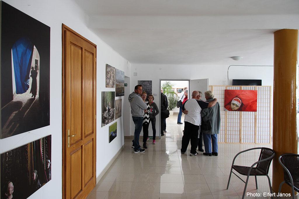 2016.10.15.-Szalmatercs-kiállításom-részlete-a-Közösségi-Házban (Eifert János felvétele)