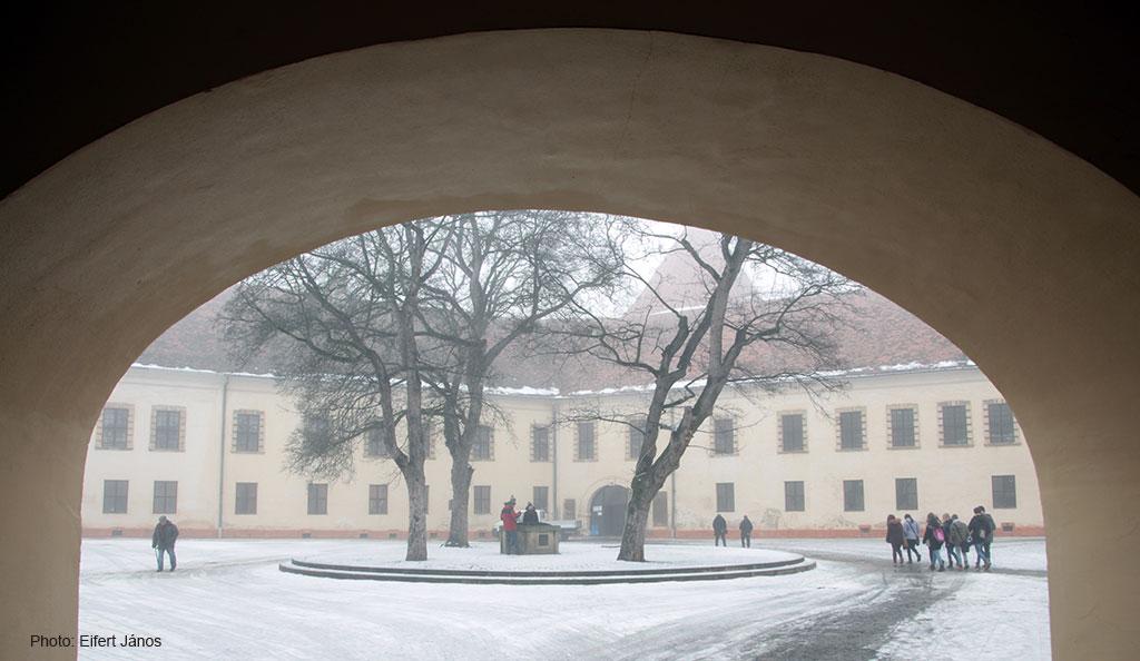 2017.02.03.-Sárvári-Nádasdy-vár-belső-udvara (Eifert János felvétele)